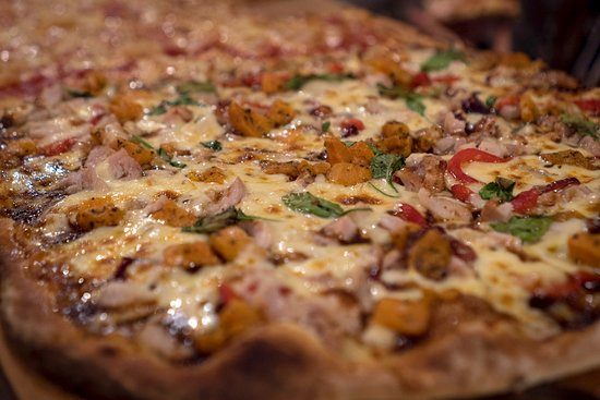 Sirones Pizza By The Metre - Food Delivery Shop