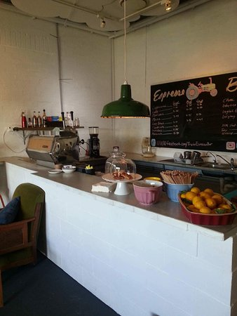 Tractor Espresso Bar - Food Delivery Shop