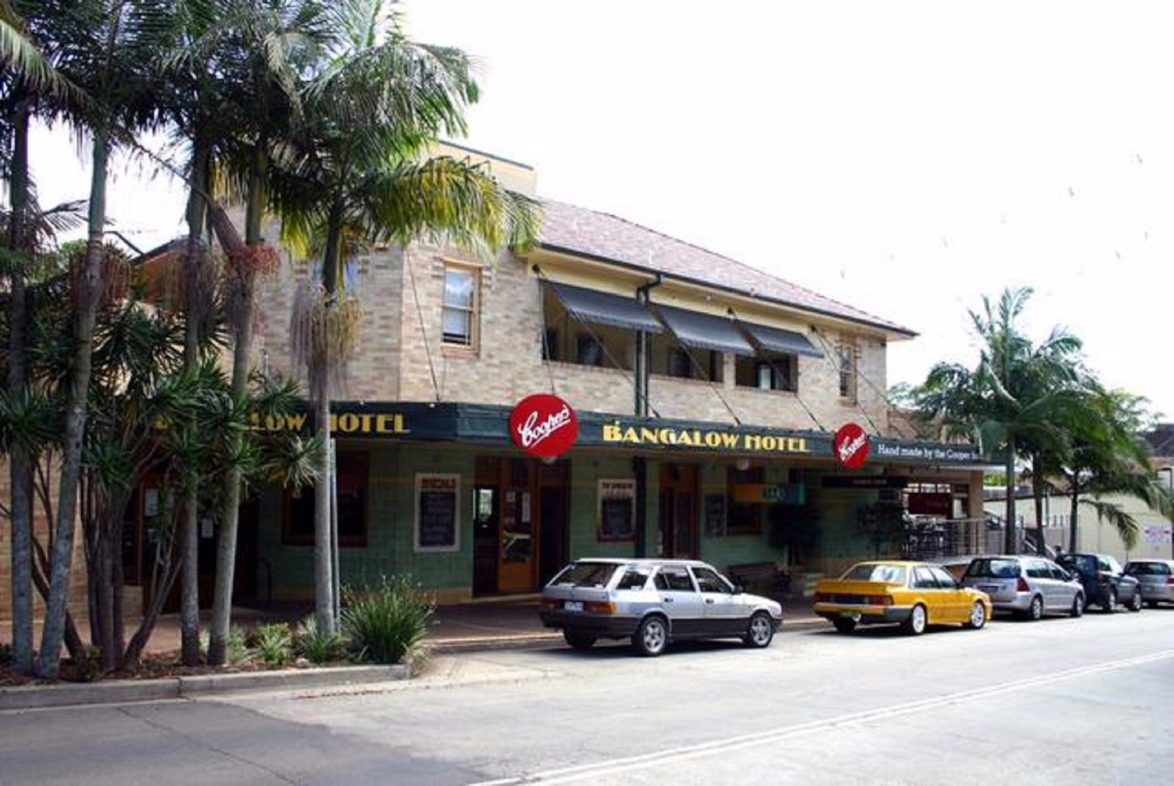 Bangalow Hotel - Food Delivery Shop