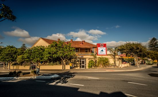 Port Noarlunga Hotel - Food Delivery Shop