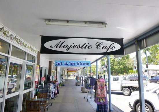 Majestic Cafe - Food Delivery Shop